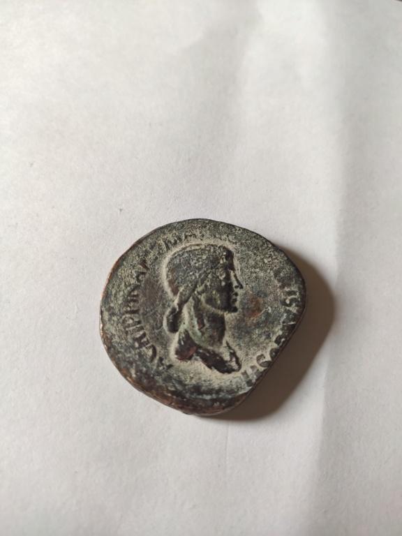 Sestercio de Agripina. Falso Img_2028
