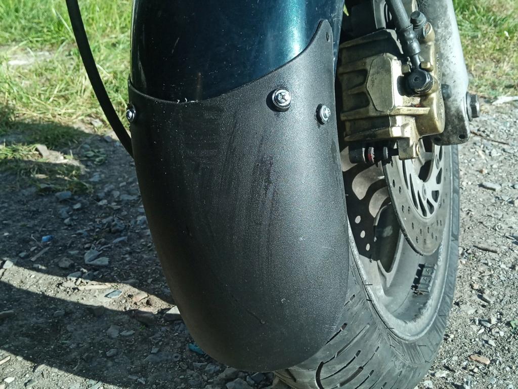 Deauville 700 2011 : Bavette roue avant ? Img_2045