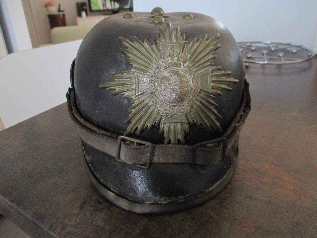 Modèle de casque à pointe 100 saxon  1111