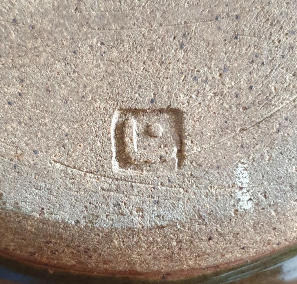 Help ID studio pottery vase, L mark and dot 20200917