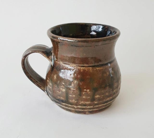 Studio pottery mug ID. K or R or TK mark?  20210813