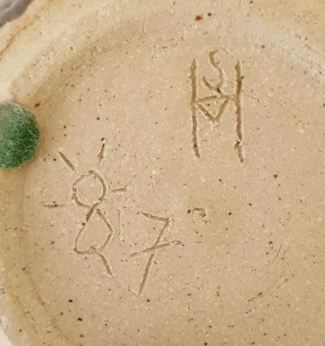 Studio pottery pot ID. SH or SM mark? 20210822