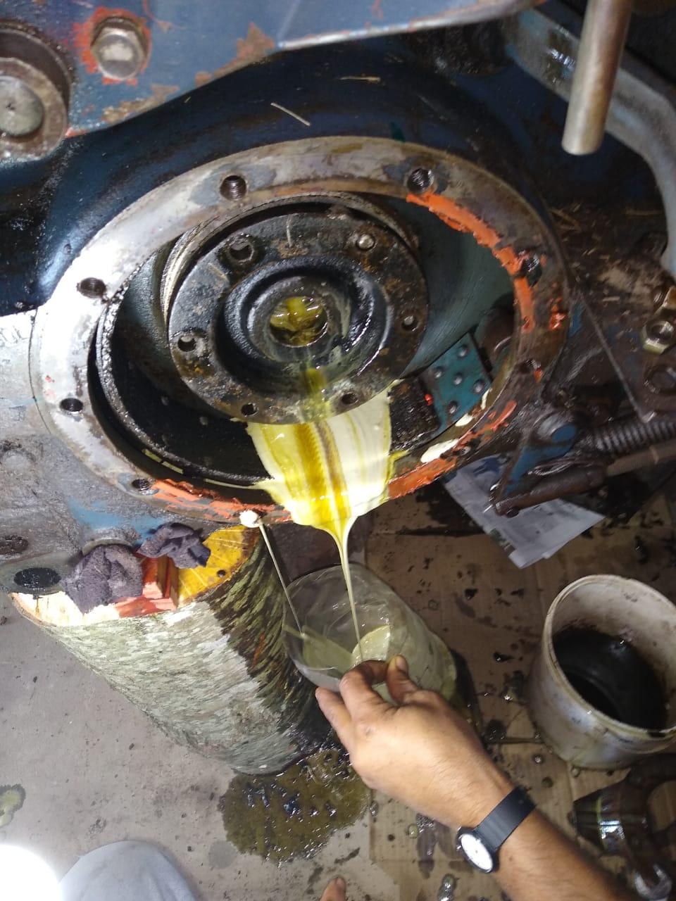 [Fiat 600E] Aceite de transmisión de color amarillo Bb8d3812