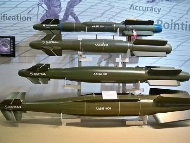 الصواريخ و القنابل و الطوربيدات التي تم استلامها من قبل القوات المسلحة المصرية مؤخرا  11643210