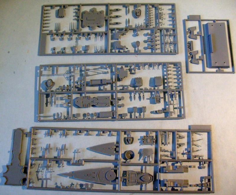 [MINI HOBBY MODELS] Croiseur de bataile SCHARNHORST & GNEISENAU 1/700ème Réf 80917 & 80916 S7308071