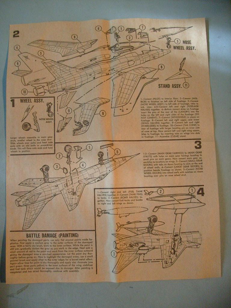 Multi-présentations IMC REPUBLIC F 105 D THUNDERCHIEF et DOUGLAS  A4 E SKYHAWK 1/72ème Réf 483 100 et 485 100 S7308416
