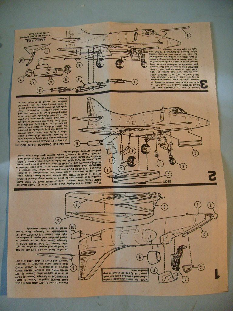 Multi-présentations IMC REPUBLIC F 105 D THUNDERCHIEF et DOUGLAS  A4 E SKYHAWK 1/72ème Réf 483 100 et 485 100 S7308432