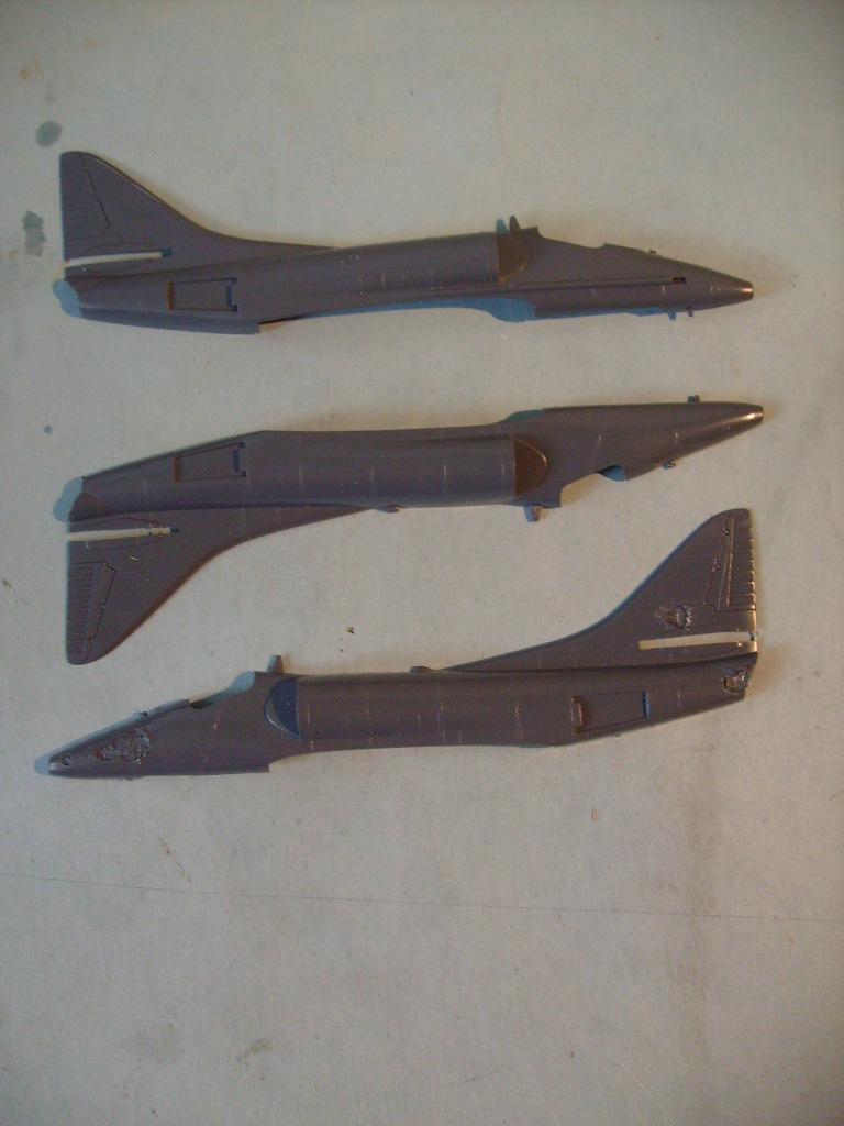 Multi-présentations IMC REPUBLIC F 105 D THUNDERCHIEF et DOUGLAS  A4 E SKYHAWK 1/72ème Réf 483 100 et 485 100 S7308434