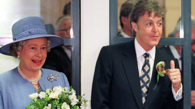 Paul McCartney : la Reine cède à tous ses caprices ! Paul-l10