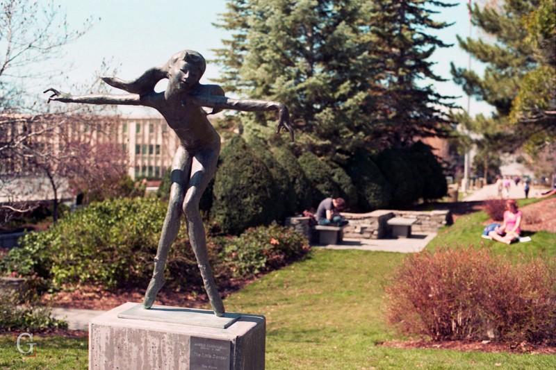 zotres sculptures za voir..... - Page 23 55843810
