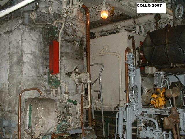 """La production d'eau douce à bord : le """"bouilleur"""" - Page 2 Dscf0011"""
