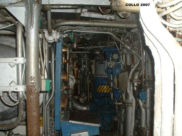 """La production d'eau douce à bord : le """"bouilleur"""" - Page 2 Dscf0014"""