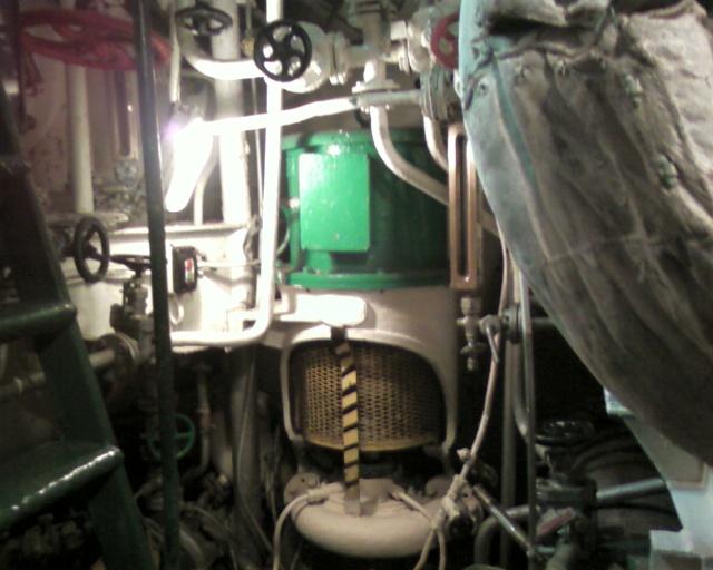 """La production d'eau douce à bord : le """"bouilleur"""" - Page 2 Photo012"""