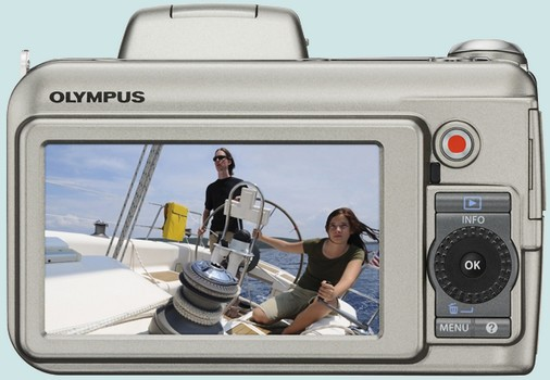 Olympus SP-800 UZ et SP-600 UZ annoncés pour fin mars Olympu11