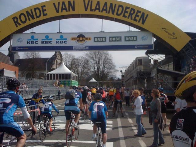 Ronde Van Vlaanderen - Tour des Flandres - 02/04 Img_0114