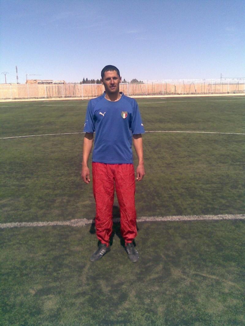 Midouna Kamel (attaquant CRBAOKAS) Ktjt10