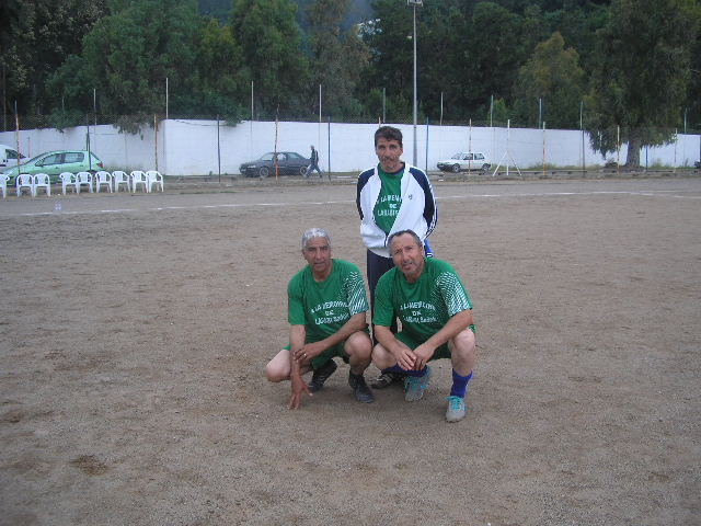 Match Gala à la mémoire de Larabi Sadek (ex-joueur CRBAokas) P1010116