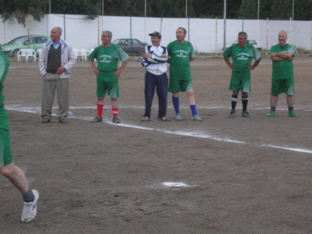 Match Gala à la mémoire de Larabi Sadek (ex-joueur CRBAokas) P1010125