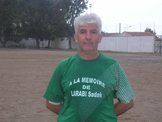 Match Gala à la mémoire de Larabi Sadek (ex-joueur CRBAokas) - Page 2 P1010219