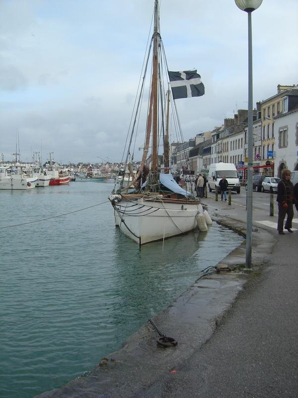 [Vie  des ports] LE PORT D'AUDIERNE - Page 3 Dsc01315