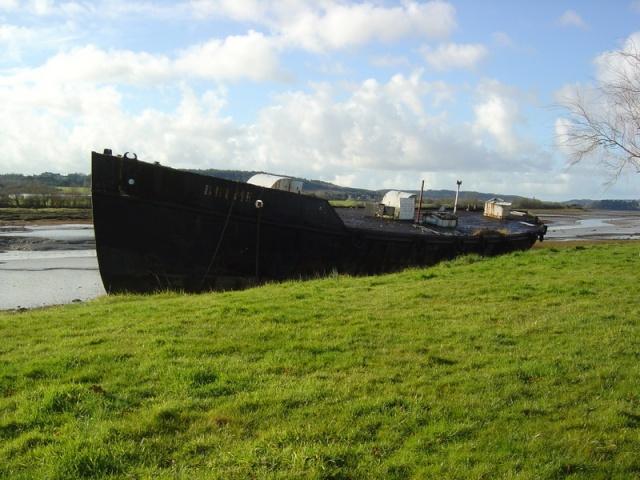 [Le cimetière des bateaux et du patrimoine de la Marine] Le cimetière de LANDEVENNEC - Page 6 Dsc06022