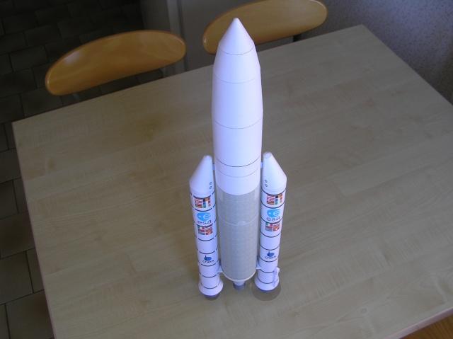 """Vaisseau européen habité sur Ariane 5 """"man rated""""   1/96 P5240019"""