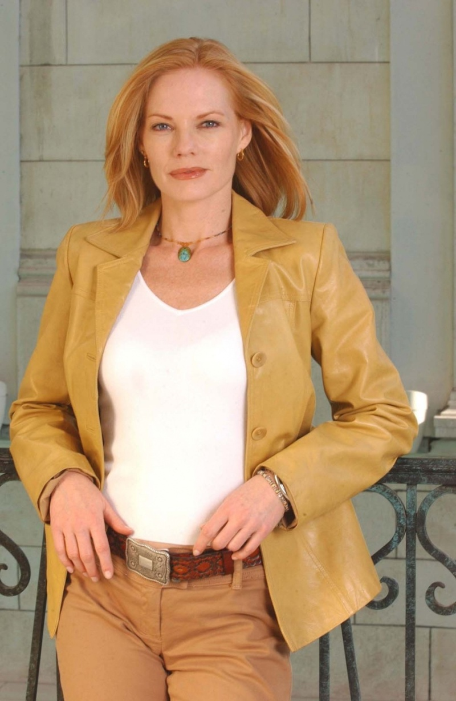 Catherine Willows Les_ex11