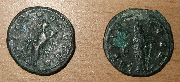 La fabrication des monnaies fourrées au 3e siècle Dscf5320