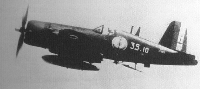 [Les anciens avions de l'aéro] F4 U7 Corsair - Page 2 Hhh1010