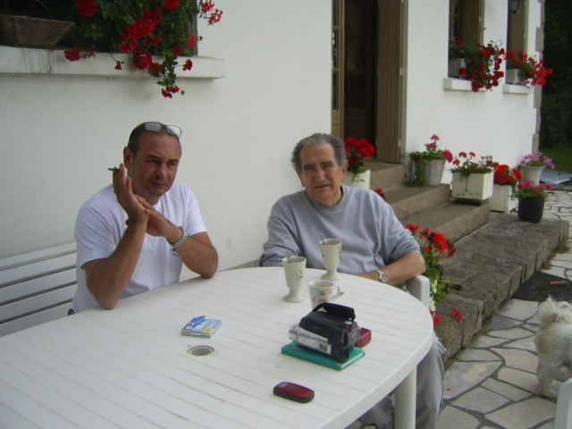 DEUX AMIS, DEUX MARINS Anciens du RICHELIEU - Page 13 Pic_0410