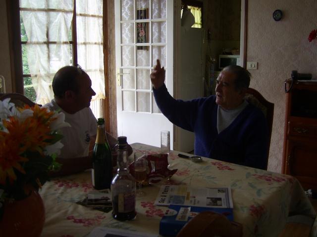 DEUX AMIS, DEUX MARINS Anciens du RICHELIEU - Page 13 Pic_0411