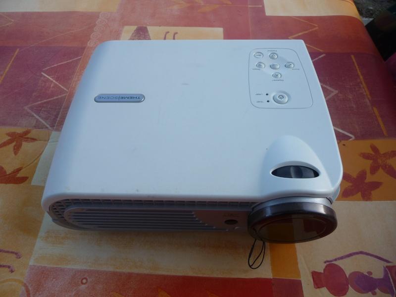 A VENDRE VIDEOPROJECTEUR OPTOMA H30 + écran 2m P1020113