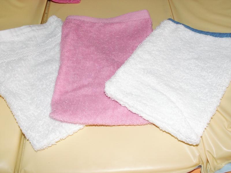 Capes de bain et gant de toilette dont neuf Pict0190