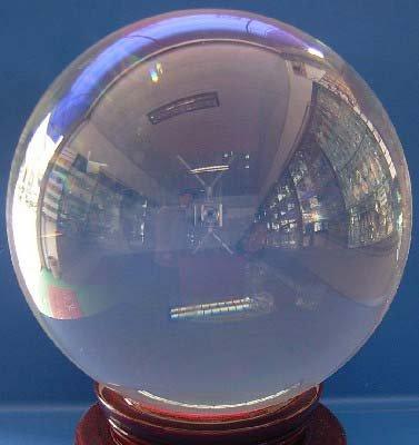 L'utilisation de la Boule de Cristal pour faire apparaitre les clichés visuels Crysta10
