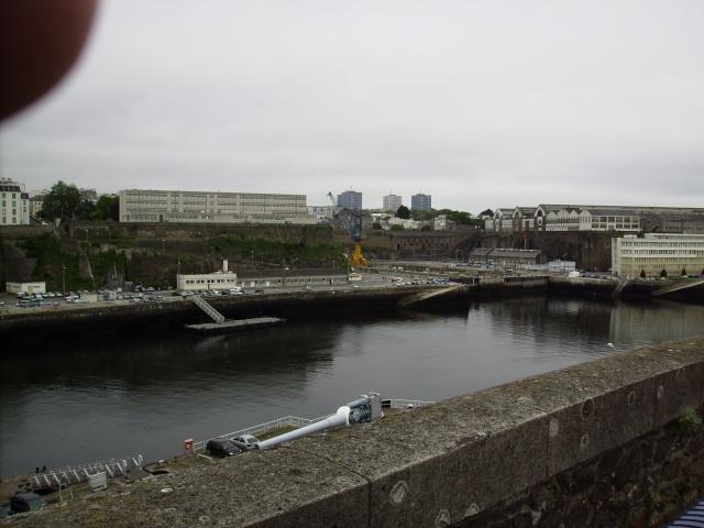 [Les ports militaires de métropole] Port de Brest - TOME 1 Imgp0858