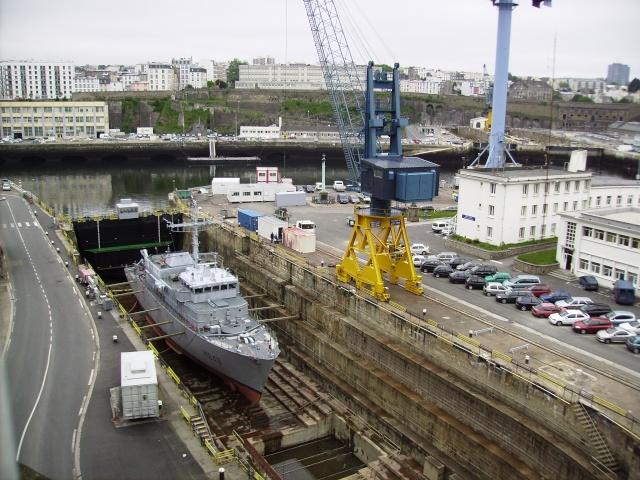 [Les ports militaires de métropole] Port de Brest - TOME 1 Imgp0861