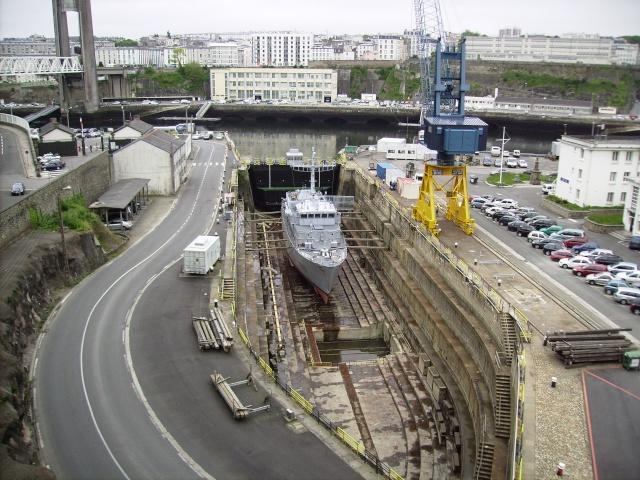 [Les ports militaires de métropole] Port de Brest - TOME 1 Imgp0862