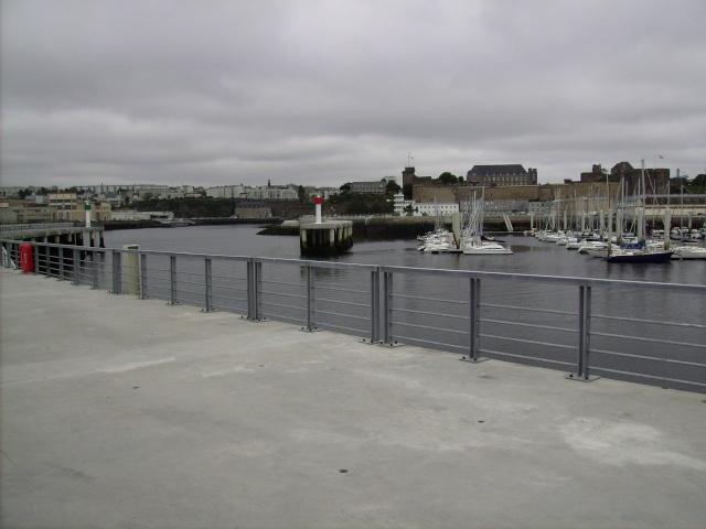 [Les ports militaires de métropole] Port de Brest - TOME 1 Imgp0935