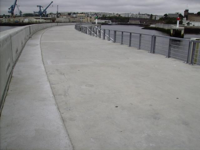 [Les ports militaires de métropole] Port de Brest - TOME 1 Imgp0936