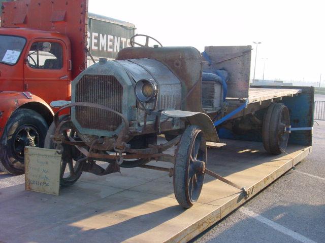 Recherche pièces pour camion Peugeot Camion16