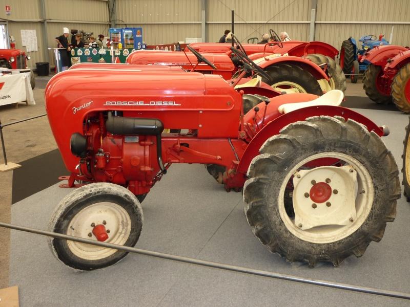 tracteur porsche standard rouge capot arrondi combien a peut valoir. Black Bedroom Furniture Sets. Home Design Ideas