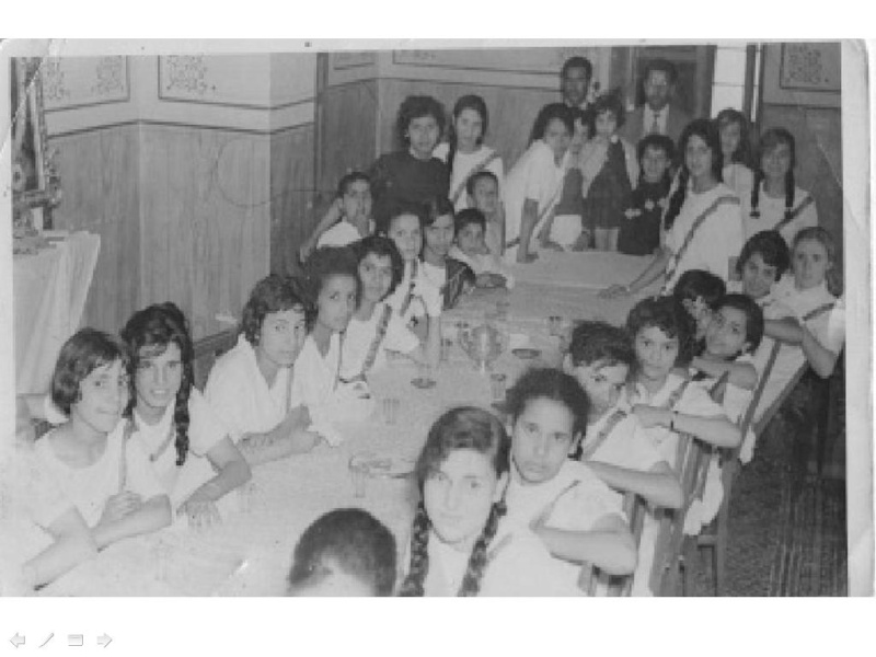 Le scoutisme au féminin - prise 2 Elhame10