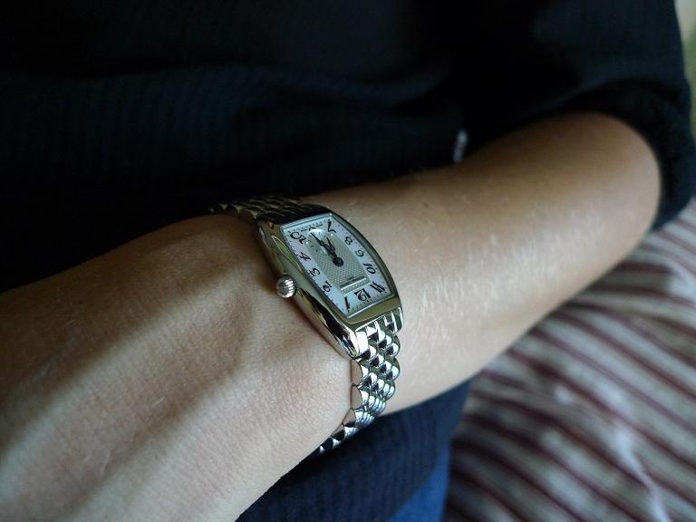 Allez vous offrir une montre à votre épouse pour Noël? - Page 2 P1020113