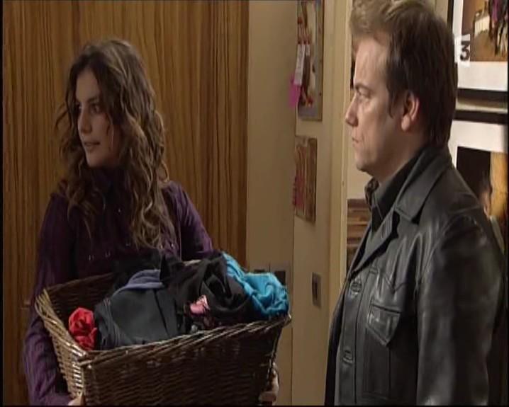 Episode du Lundi 07 Mars 2011 - Page 2 20113260