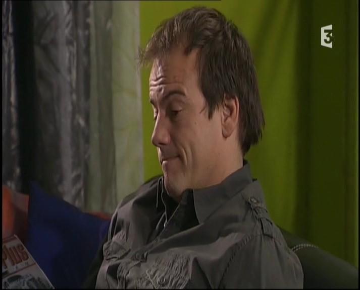 Episode du Lundi 07 Mars 2011 - Page 2 20113317