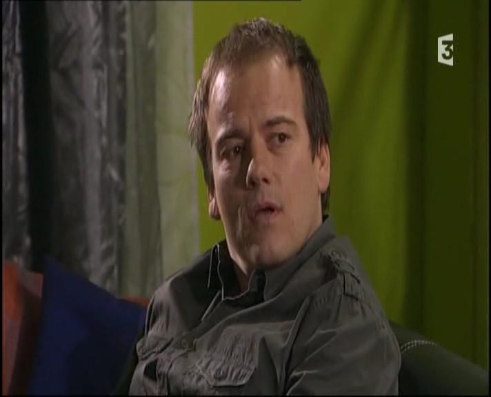 Episode du Lundi 07 Mars 2011 - Page 2 20113326