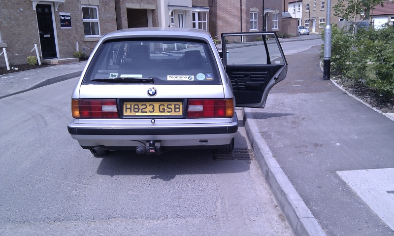 hang on this isnt a dub .............. hello my e30 Imag0011