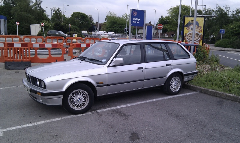 hang on this isnt a dub .............. hello my e30 Imag0012