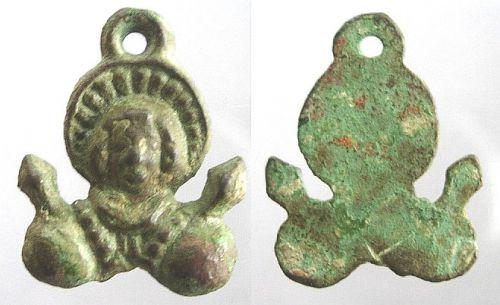 Médaille-enseigne du XVIe/XVIIe siècle - St-Quentin Madail11