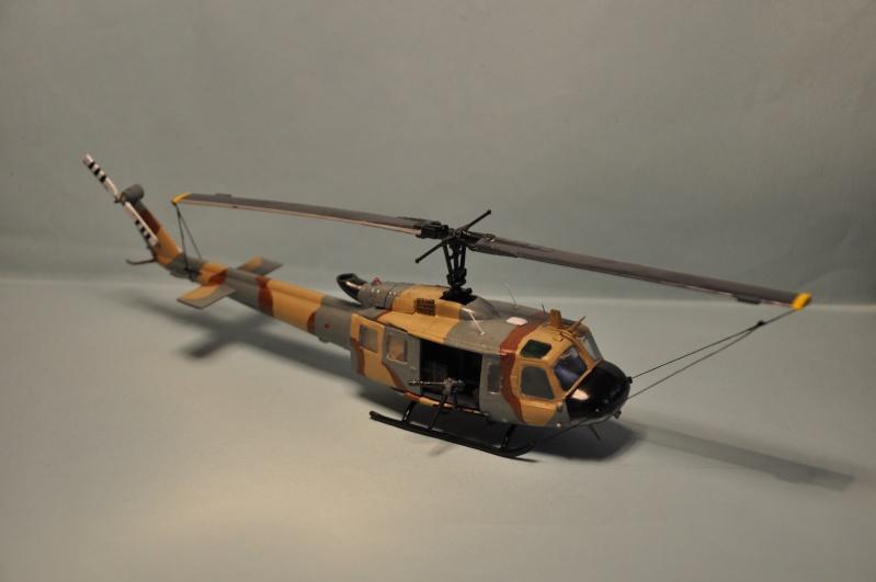 BELL UH-1H 1/72  du DOSAW à Kandahar en 2009 ( base Revell UH-1D) Dsc_0828